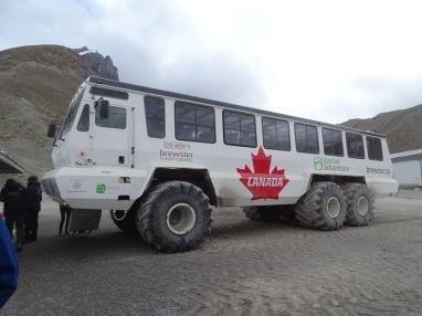 Explorador de hielo. Glaciar Athabasca