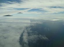 Lago Ontario. Las nubes marcan la frontera entre EEUU y Canadá